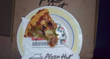 REVIEW: A Year On And Achimota Retail Centre's Pizza Hut Has Commendably Transformed; The Med Pan Feta Vegetarian Pizza Is My New Bundle of Joy